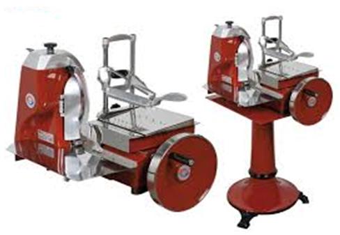 Aufschnittmaschinen: Grösse und technische Angaben auf Anfrage